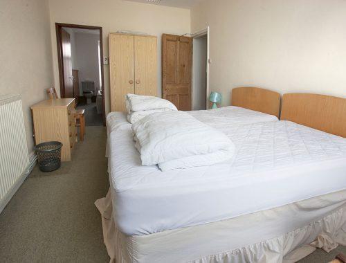 2nd floor bedroom with sea views and en-suite